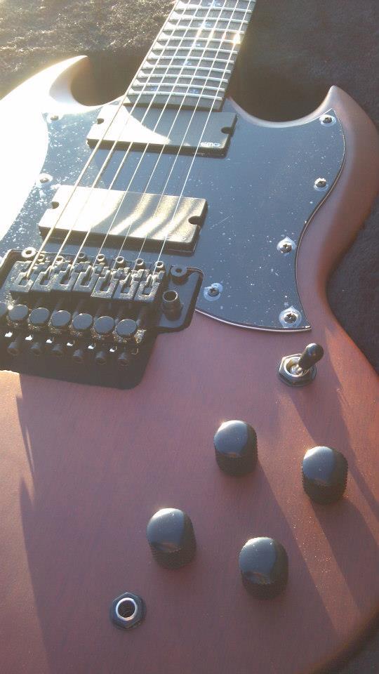 beheaded guitar